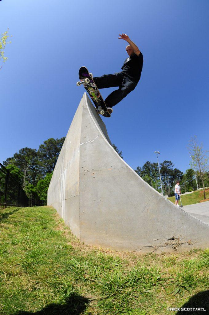Dave Allen - Pivot Fakie - Skate Pharm Team Rider